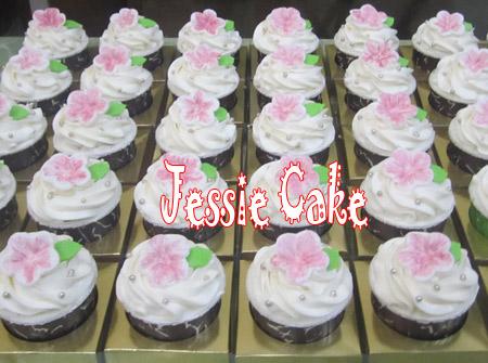 80 Souveniers Cupcakes pesanan Ibu Yanti di Jl. Jakarta