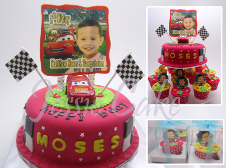 Pesenan Ibu Yuli dengan thema The Cars + 25 pcs Cupcakes