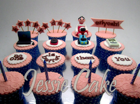 Cupcakes Set 16 order by Dewi
